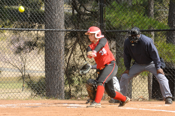 Huntingdon softball sweeps Judson