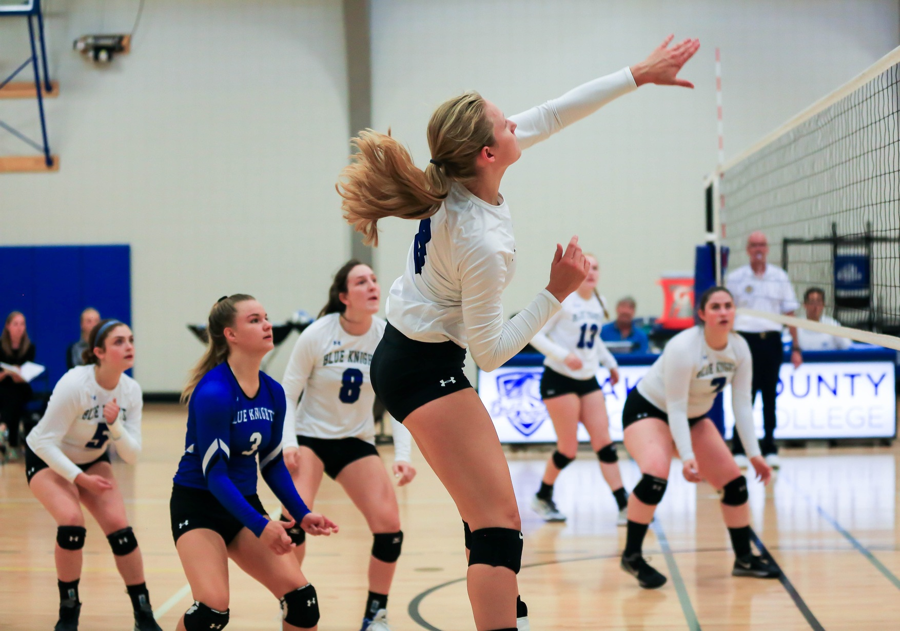 Blue Knights Volleyball Pick up 4 Wins this Weekend and Have 9 Match Win Streak