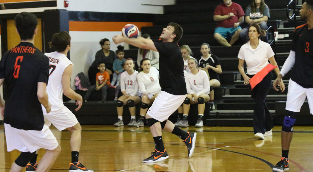 Men's volleyball splits Saturday matches