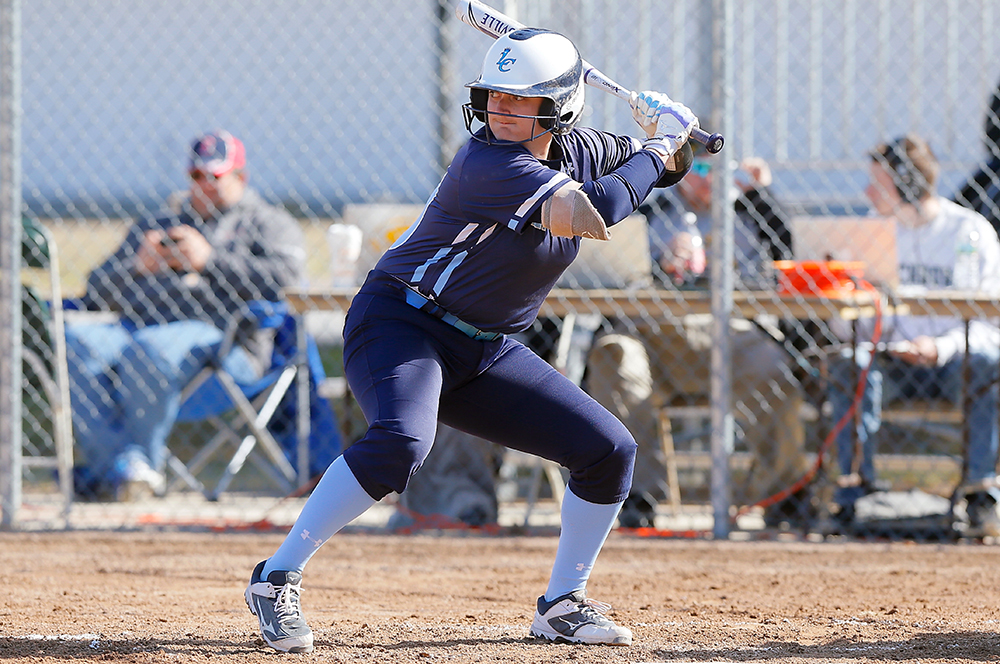 SB: Lasell drops twin bill at Gordon