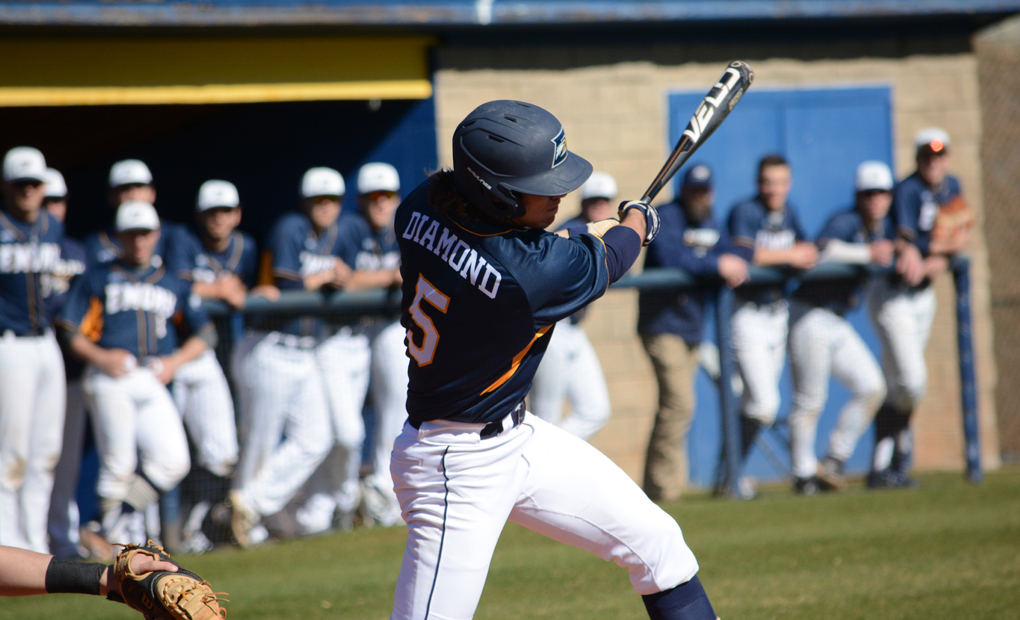 Diamond's Walk-Off Helps Baseball Split Doubleheader with Roanoke