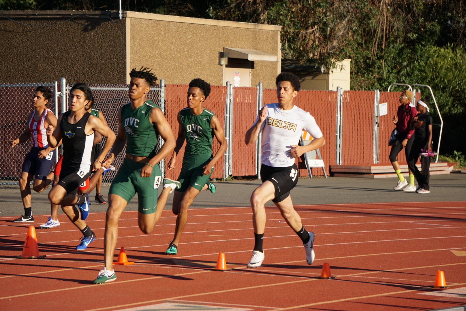 Pierce named Men's Athlete of the Meet; Men finish 4th, Women finish 7th at Norcal Meet