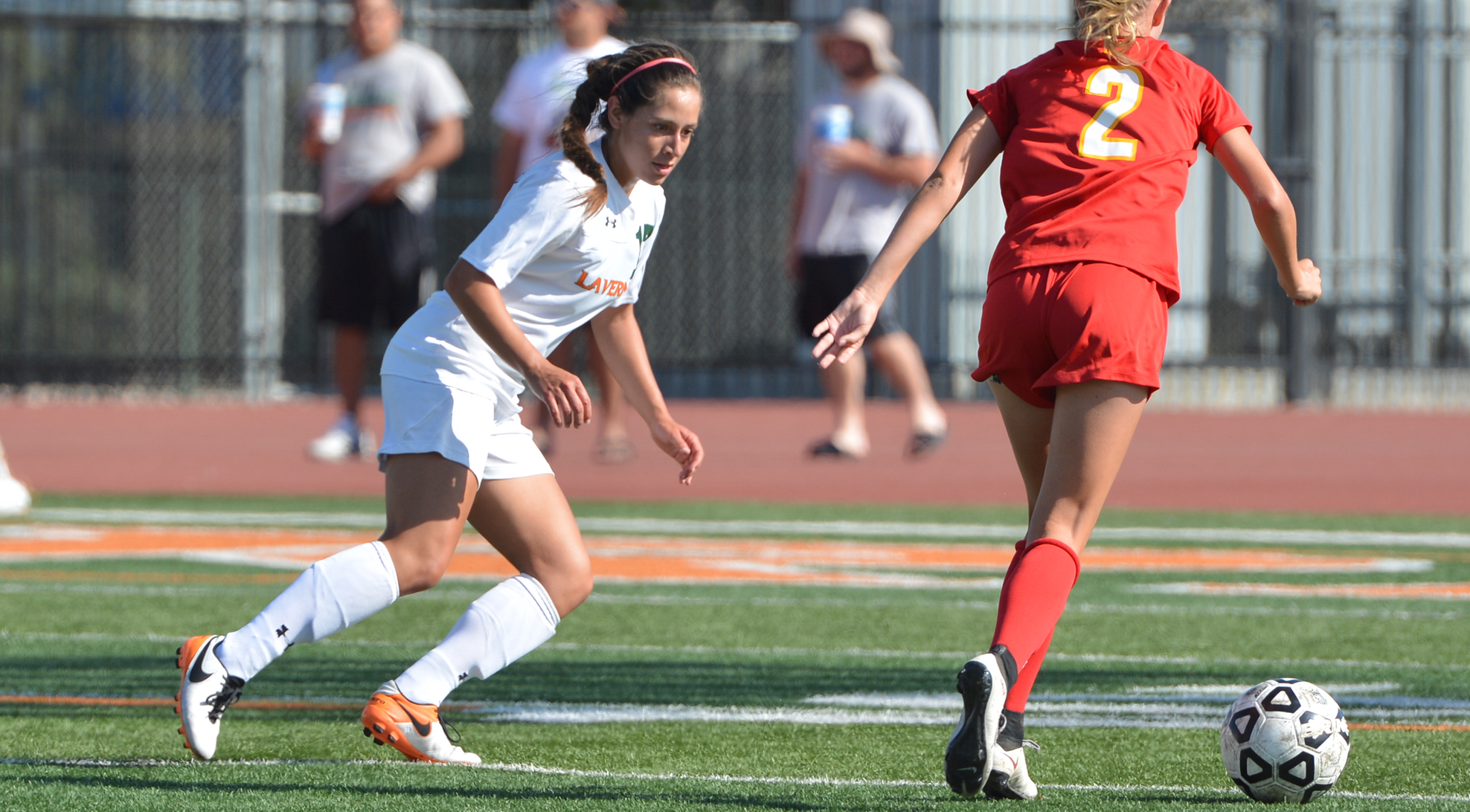 Traci Ramirez receives SCIAC Award of Distinction