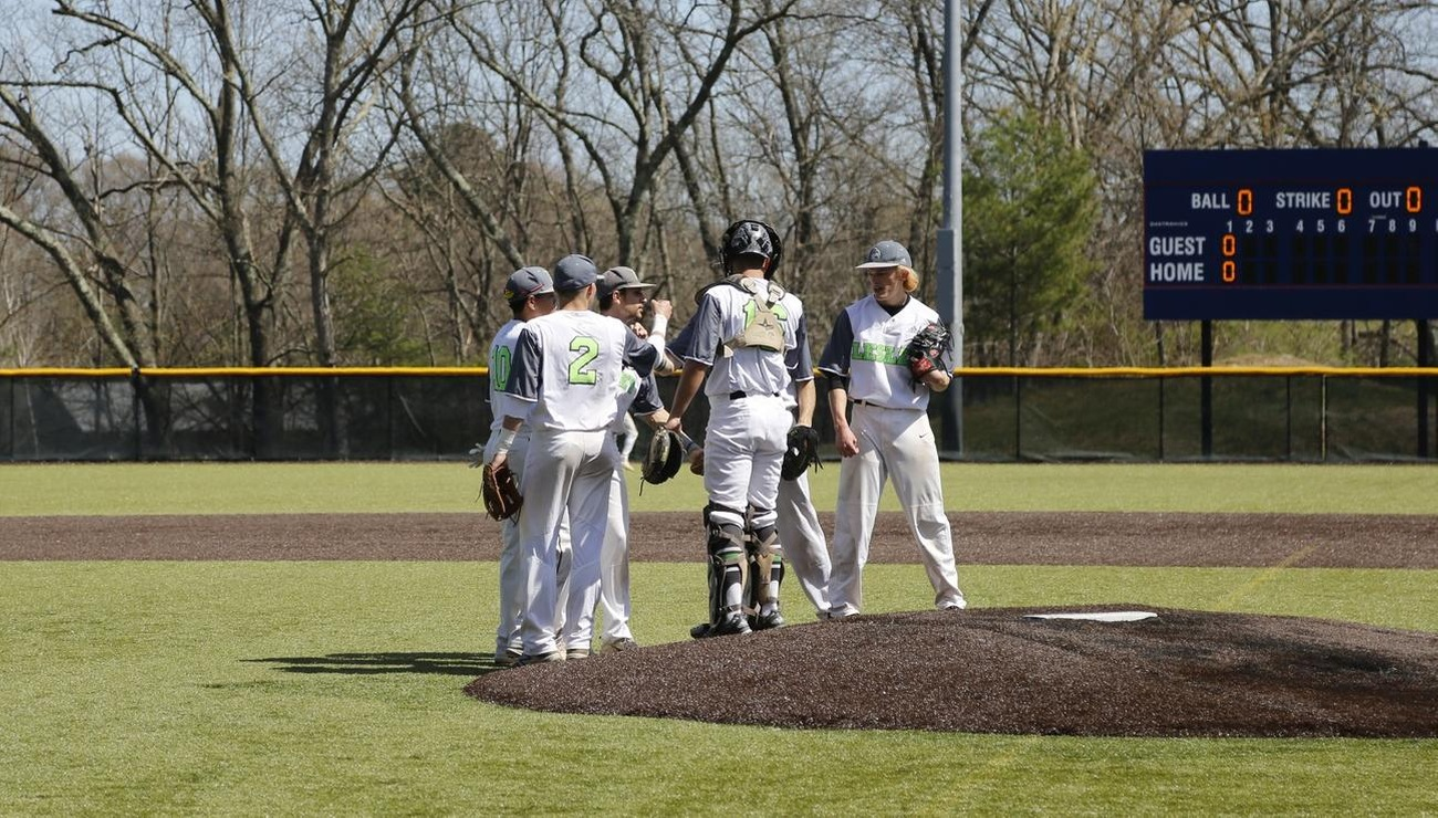 Lynx Erase Seven Run Deficit in Game Two, To Earn NECC Split with Newbury