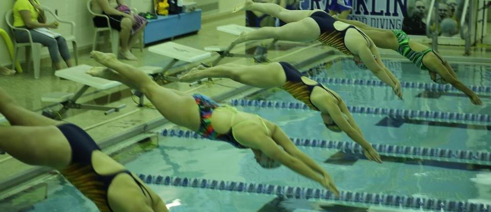 Women's Swimming and Diving Improves to 7-0 on Season after Two Saturday Wins