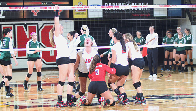 YSU Celebrates its 3-0 Win Over Cleveland State | Photo by Rachael Thomas