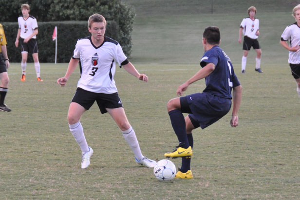Men's Soccer: Late goal lifts Averett past Panthers 2-1