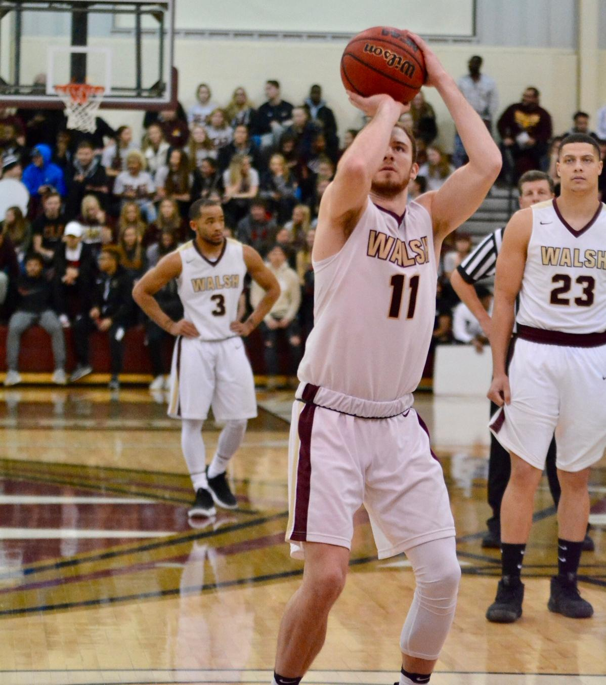 Men's Basketball Routs Ohio Valley