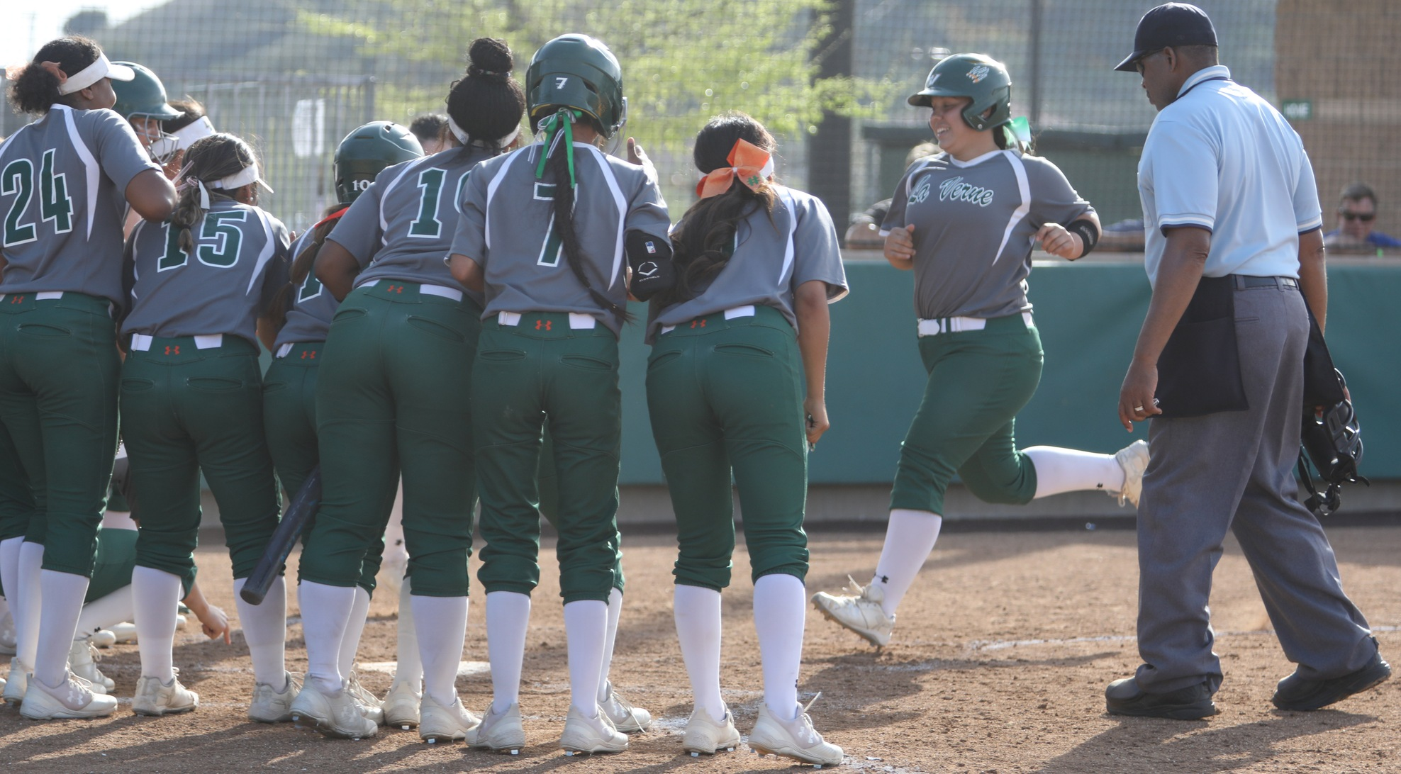 Softball beats Sagehens, heads to championship game