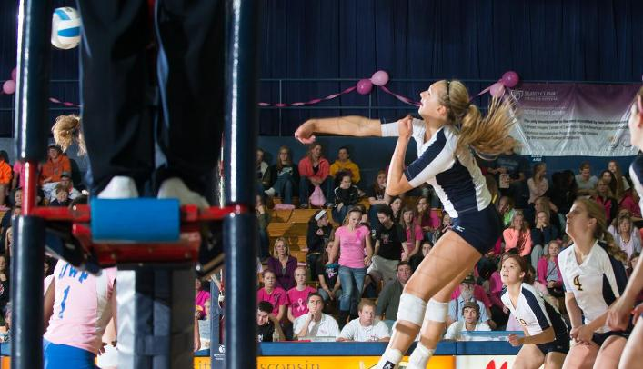 Volleyball Drops Two to Nationally-Ranked Teams