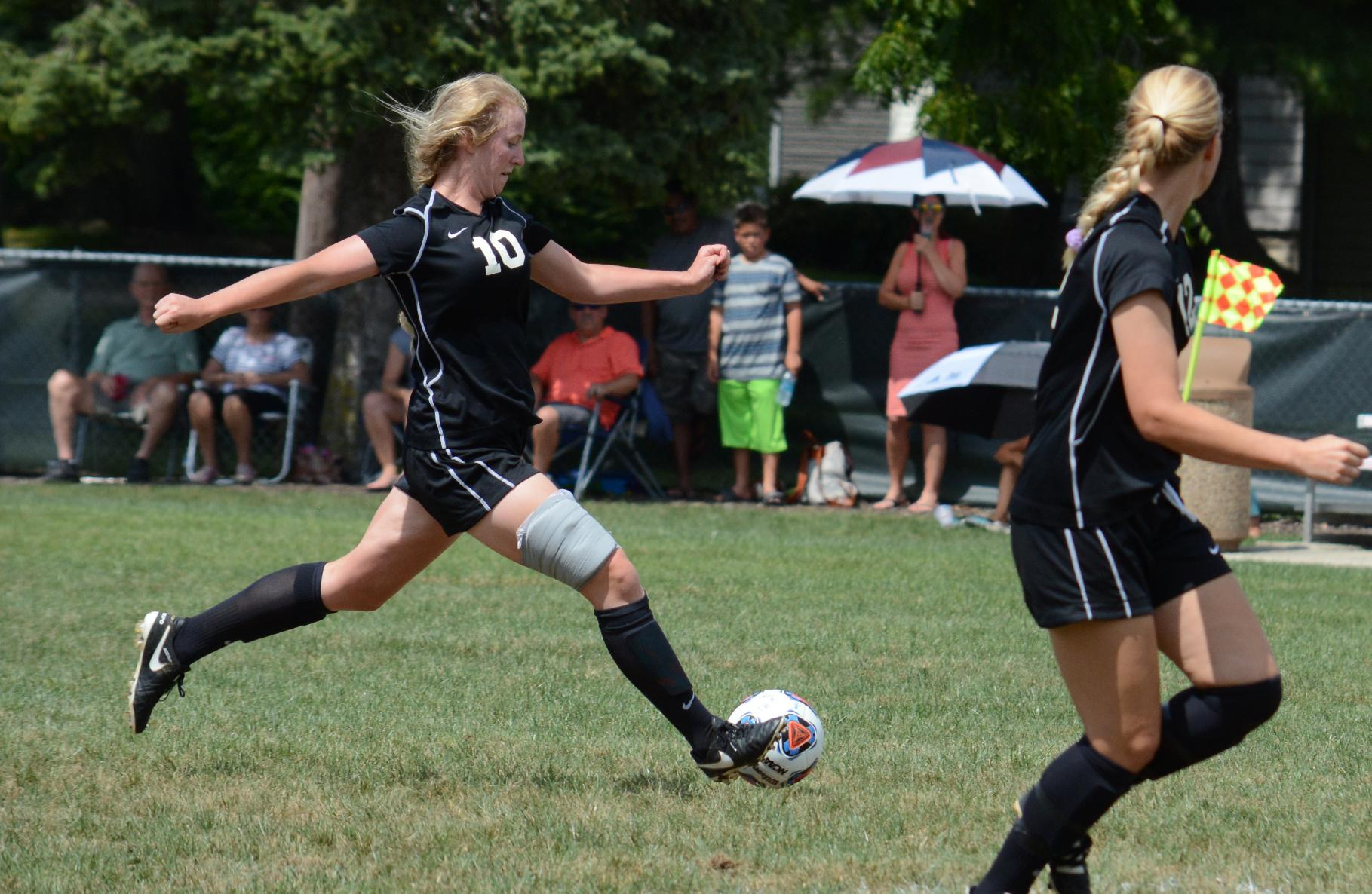 Women's Soccer Defeats Lake Erie