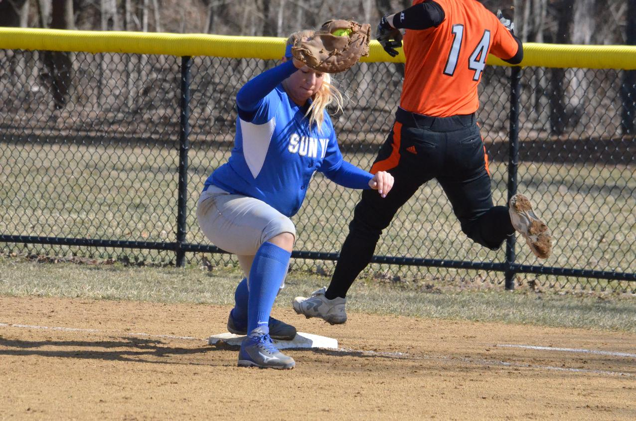 Softball Sweeps Wells in Home-Opener