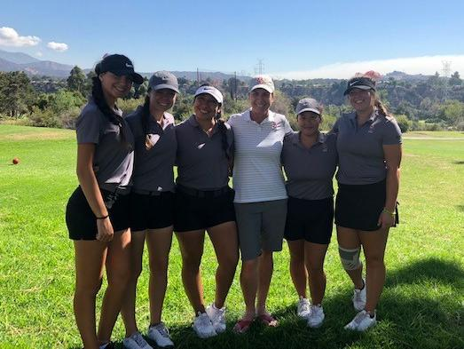 Women's Golf Places Third at  Citrus