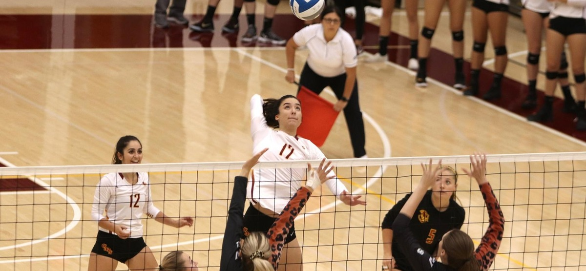 CMS Volleyball Makes Quick Work of Augsburg to Advance to NCAA Round of 32