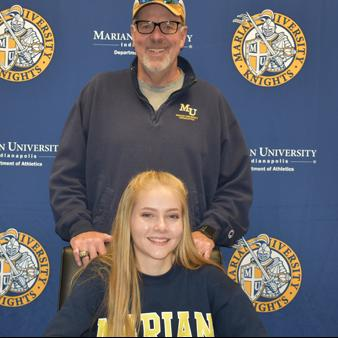 Cunningham Signs With Marian