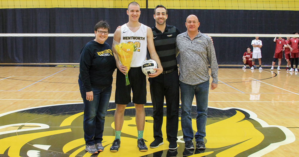 Men's Volleyball Clinches First-Round Bye on Senior Day