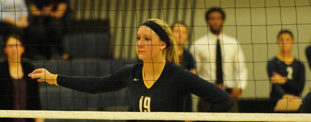 Volleyball Continues Winning Ways in Road HCAC Victory over Earlham