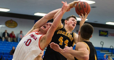 Jack Flynn scored nine points and grabbed eight rebounds against the Pioneers.