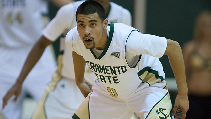 THE PORTLAND JINX IS OVER, MEN'S BASKETBALL WINS AT PORTLAND STATE, 72-65