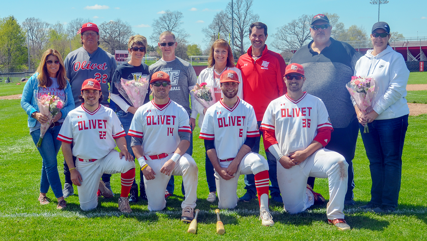 Baseball team swept in Senior Day doubleheader against Kalamazoo