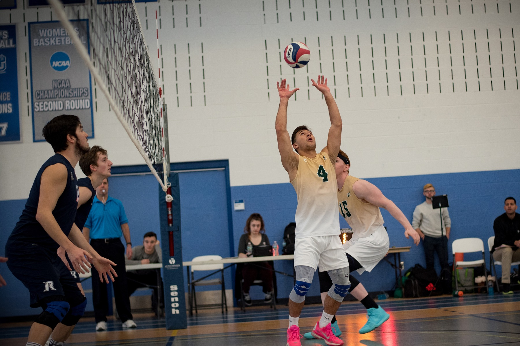 Men's Volleyball Stifles SVC On The Road