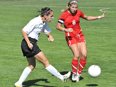 Women's Soccer Beats SVSU In League Opener