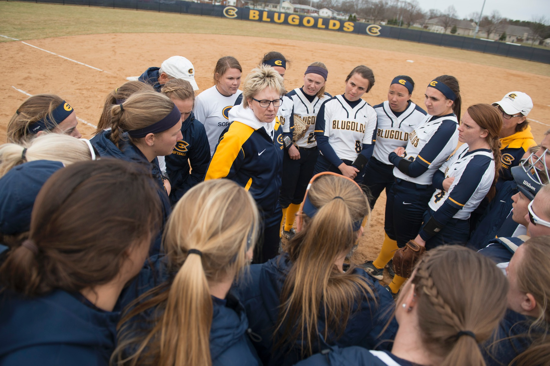Softball bounces back with victories over Buffalo State & Benedictine
