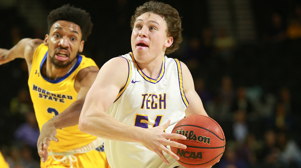 Sound, team effort lifts Golden Eagles past Morehead State