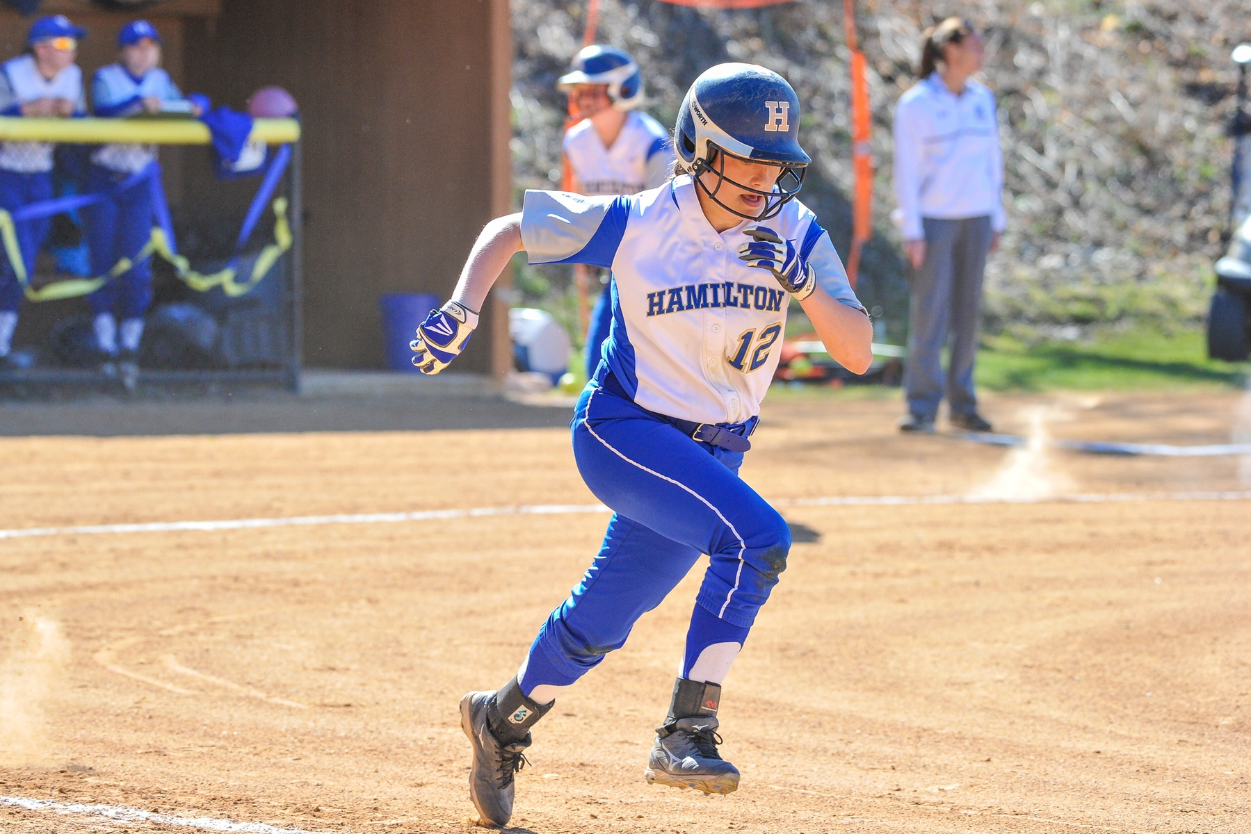 Softball shuts out Farmingdale State and Knox