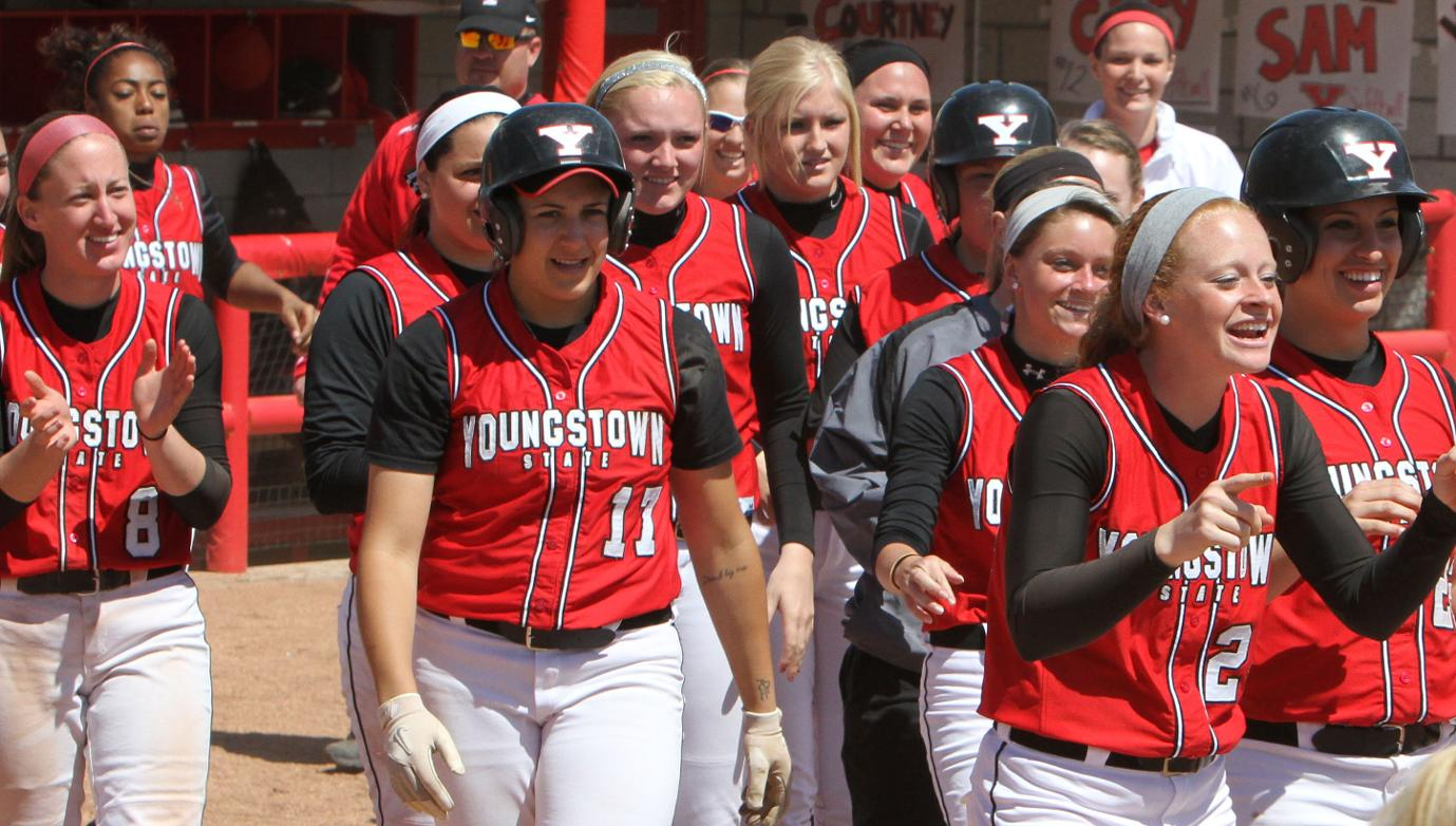 Softball Hosts Dayton In Non-League Doubleheader