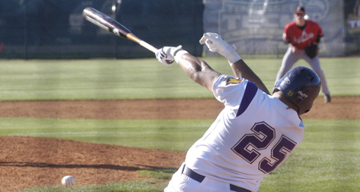 Mighty fine, streak at nine; Golden Eagles sweep Govs, 10-2