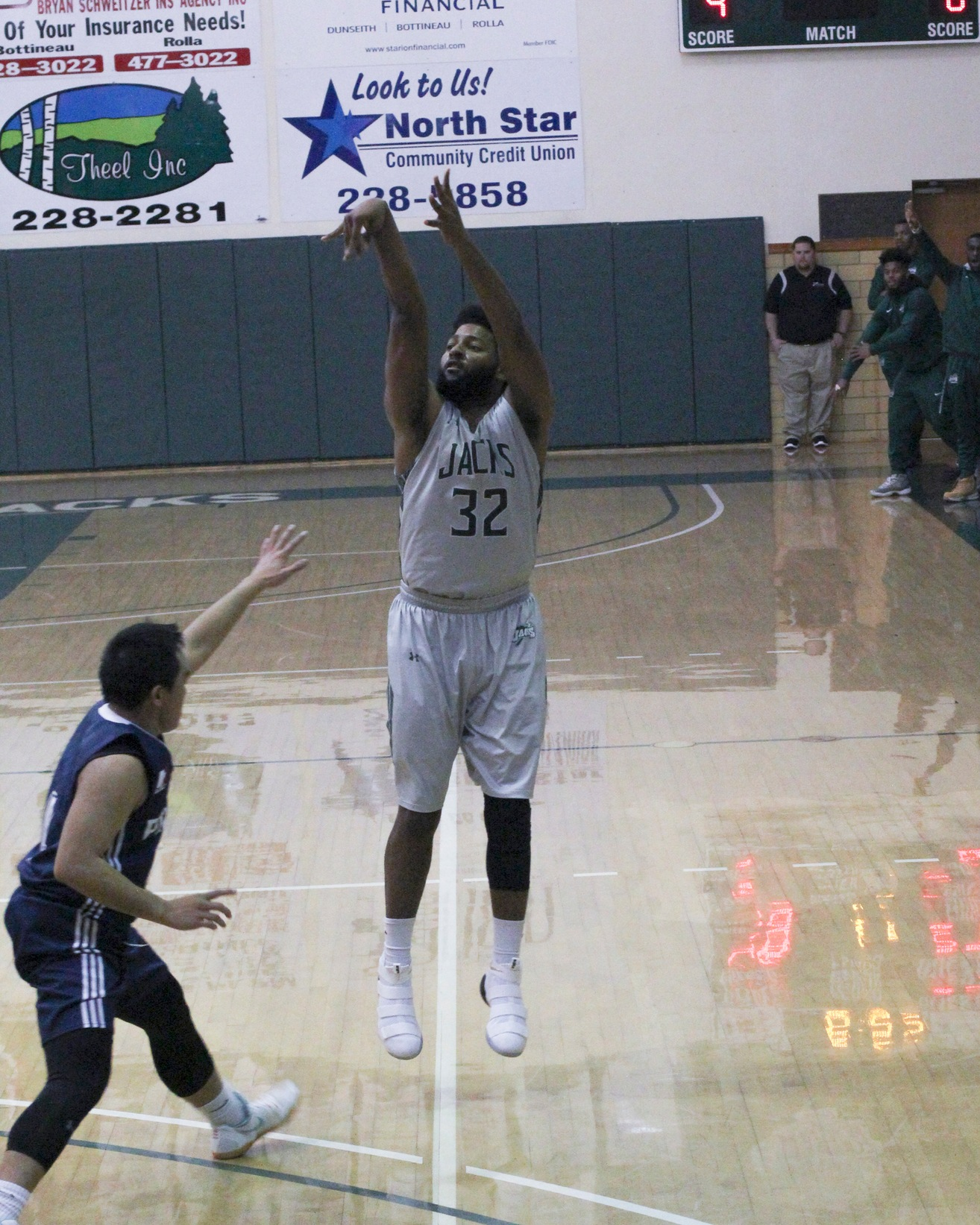 Men's Basketball Earns Two Wins Over the Weekend