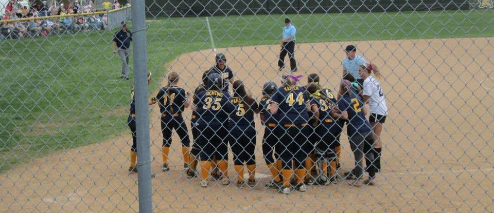 Offense Leads Softball in Split at Spalding