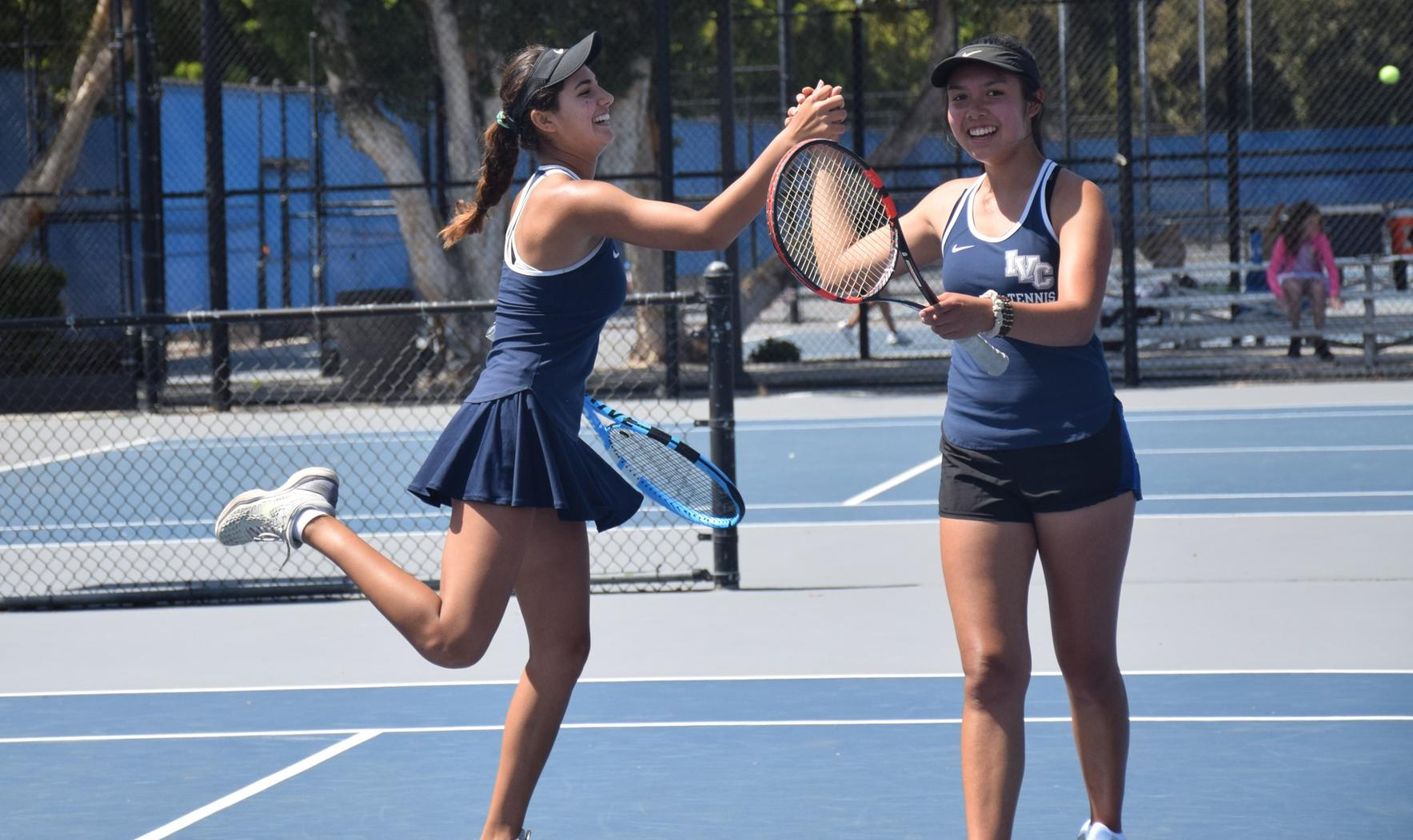 Women's tennis team beats El Camino in first round of playoffs
