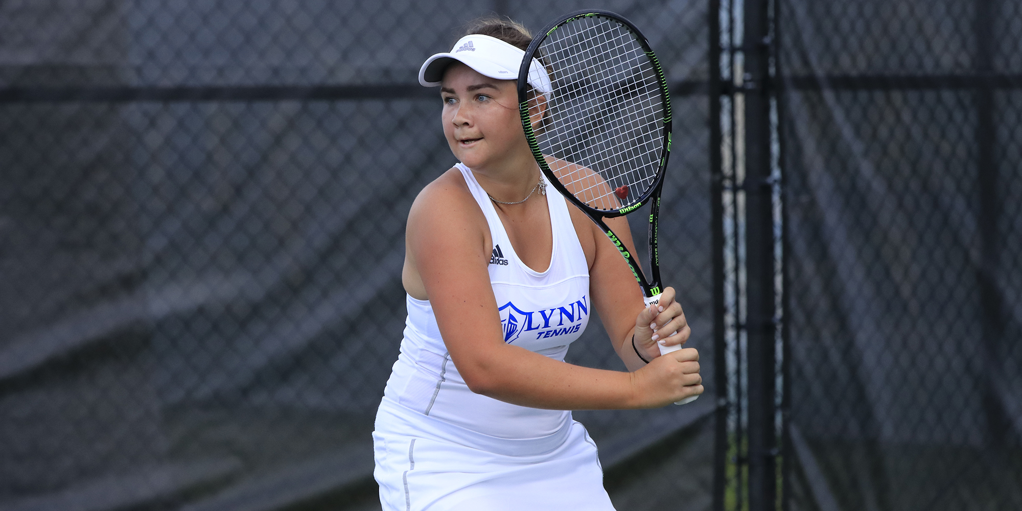 Women's Tennis Sends a Doubles Team to the Quarters
