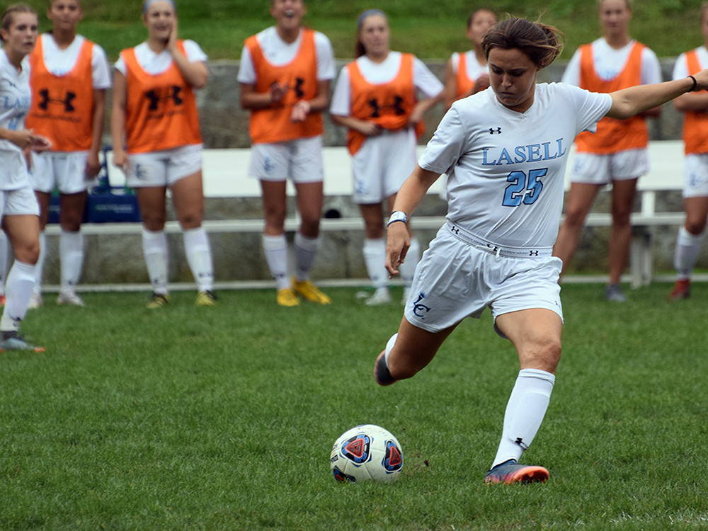 Zdanek and Badger pace Lasell Women's Soccer past JWU