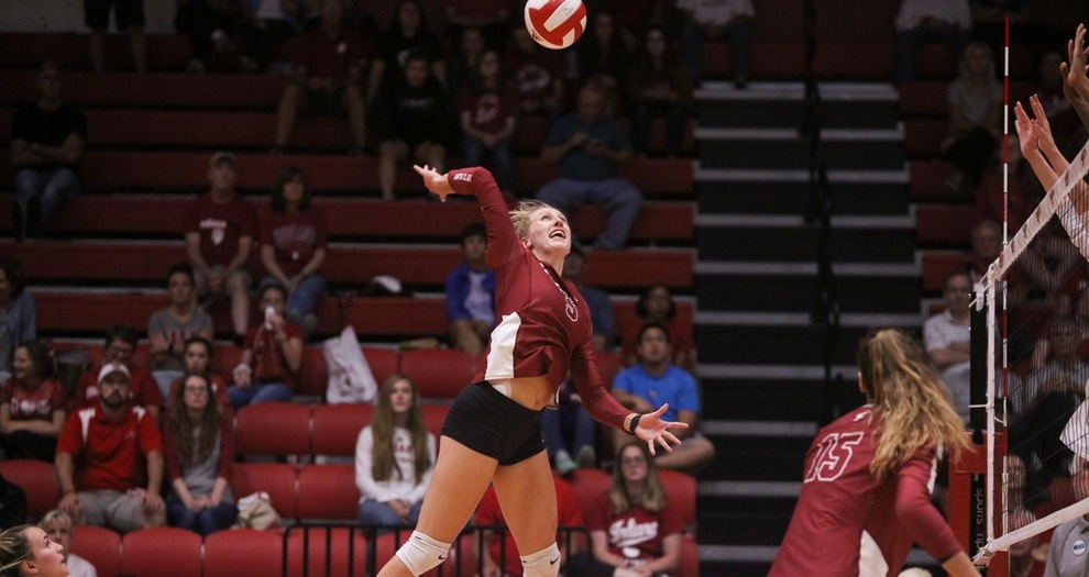 Volleyball Splits on Final Day of Fresno State Invitational