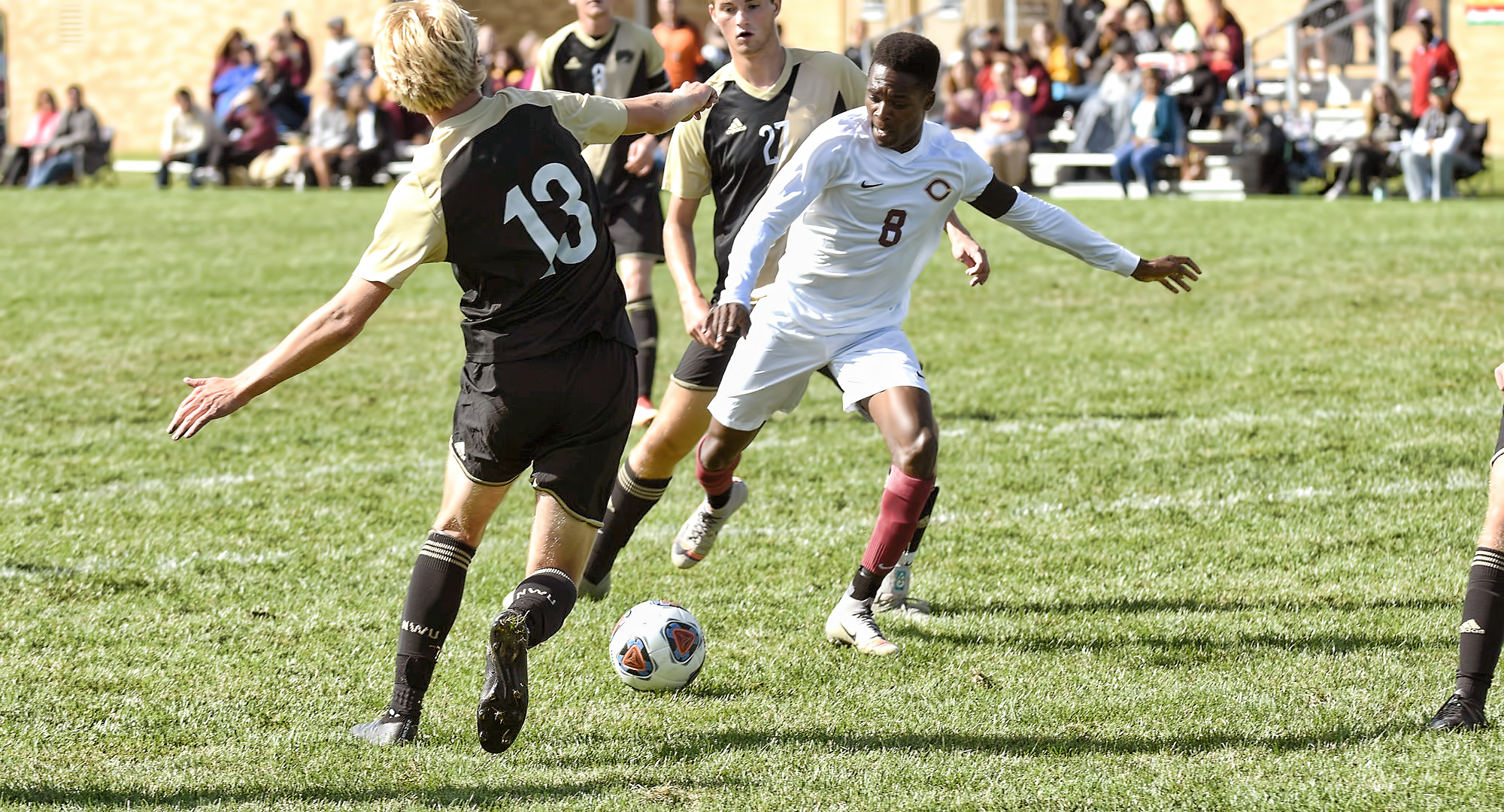 Senior Aronah Mukhtar set up the game-winning goal in the final game of his college career as Concordia beat St. Olaf 1-0 in 2OT.