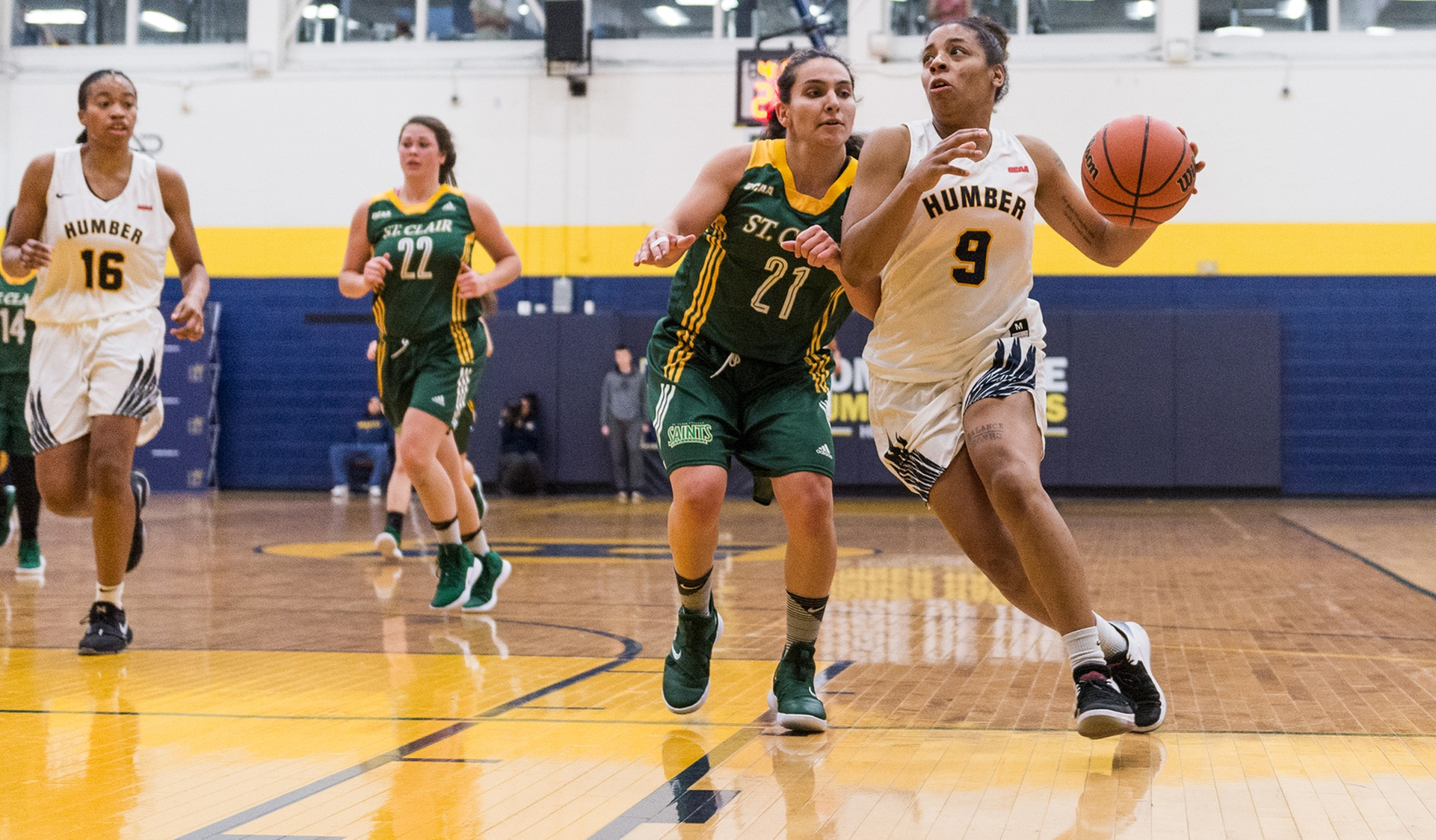 No. 11 WOMEN'S BASKETBALL HOLDS OFF ST. CLAIR, 89-83