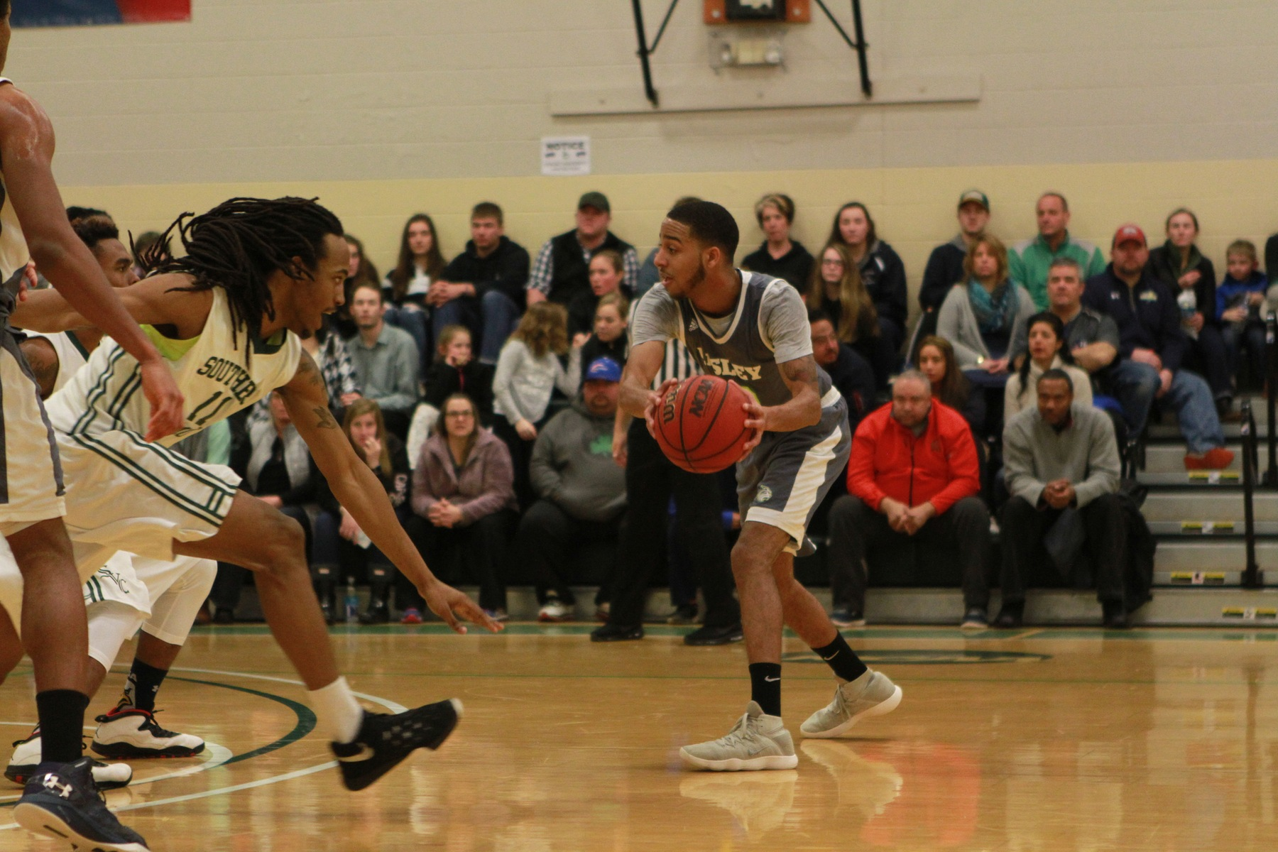 Men's Basketball Ends Season in Semi Finals
