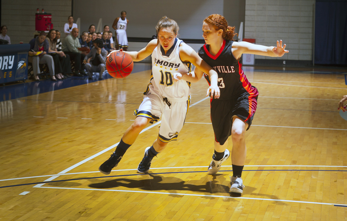 No. 18 Emory Women's Basketball Rolls By Huntingdon