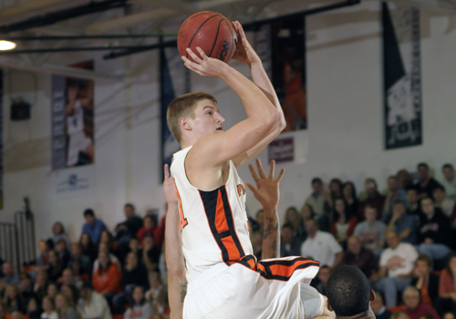 #13 Oilers Break Assist Record, Blast Falcons 98-57