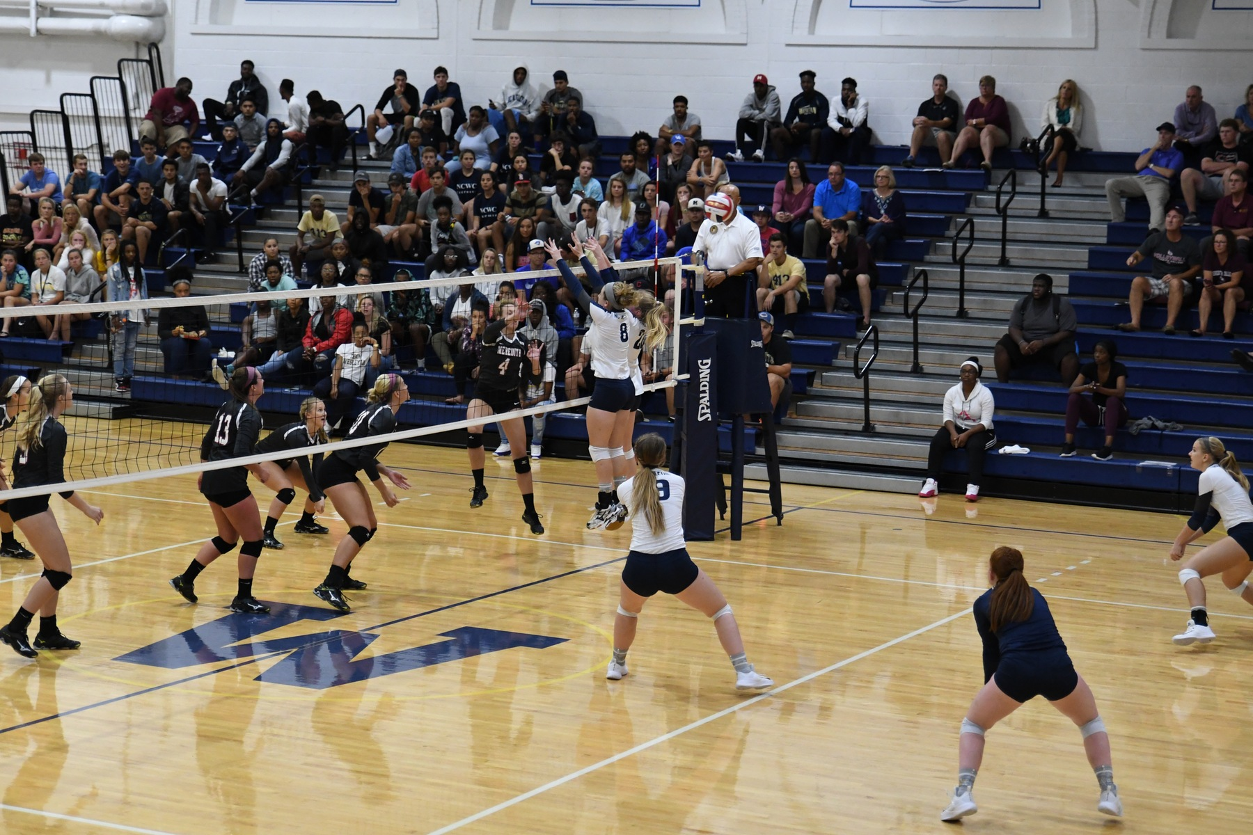 Volleyball picks up 2 wins at Huntington Tournament
