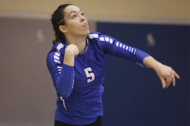 WOMEN'S VOLLEYBALL SWEPT BY HUSKIES
