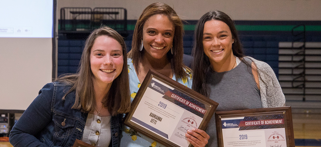 Three Gulls Named NSCA All-Americans