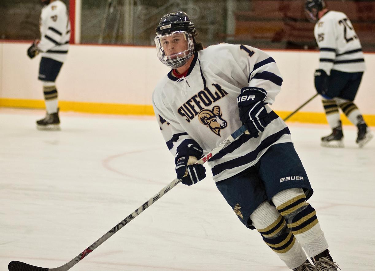 Men's Hockey Skates Past Wentworth, 2-1