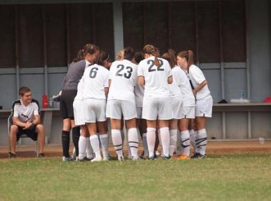 Women's Soccer Blows Out Tennessee Temple, 5-0