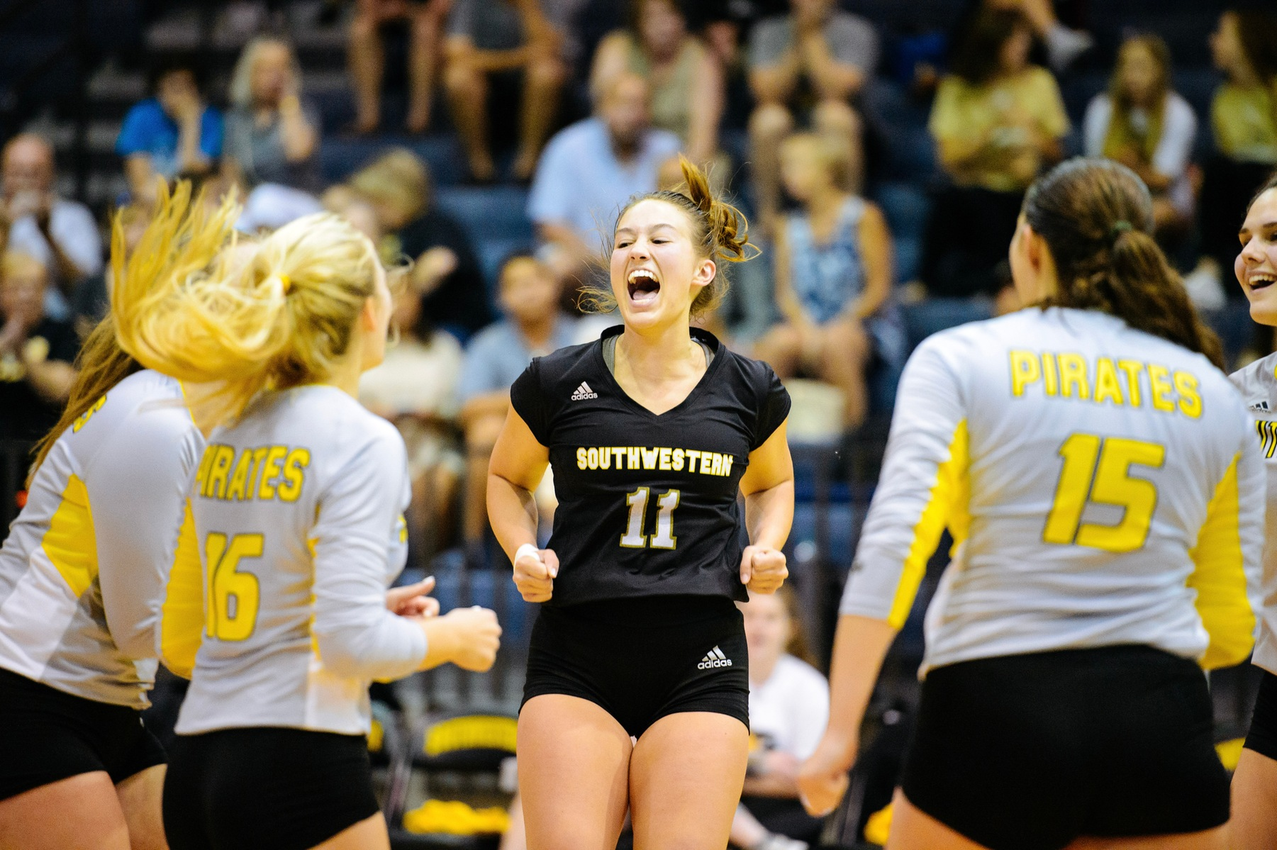 Volleyball Upsets No. 23 Pacific Lutheran University