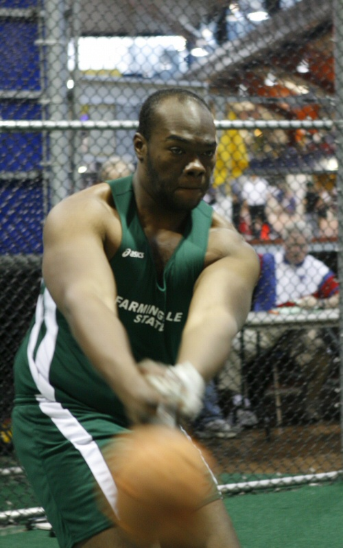 Okolie Finishes 10th at NCAA's for Discus