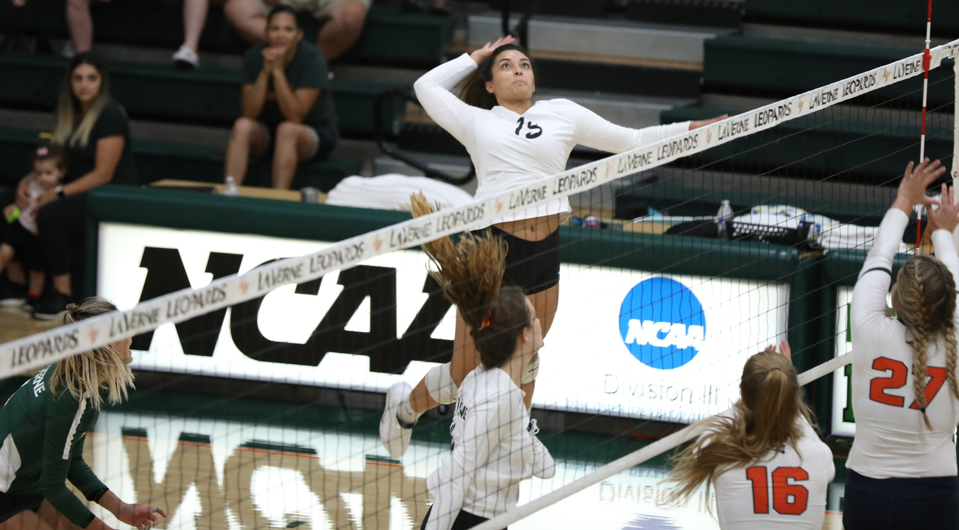 Volleyball Leaves Colorado with Two Wins
